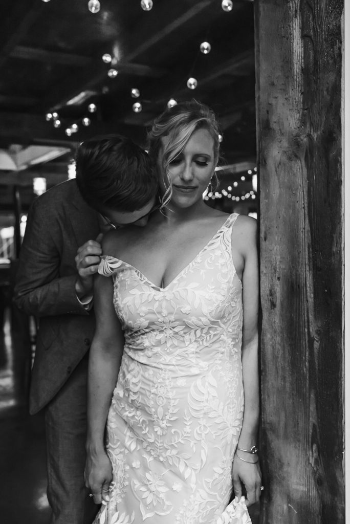 sexy-wedding-photo-kiss-on-shoulder-suessmoments