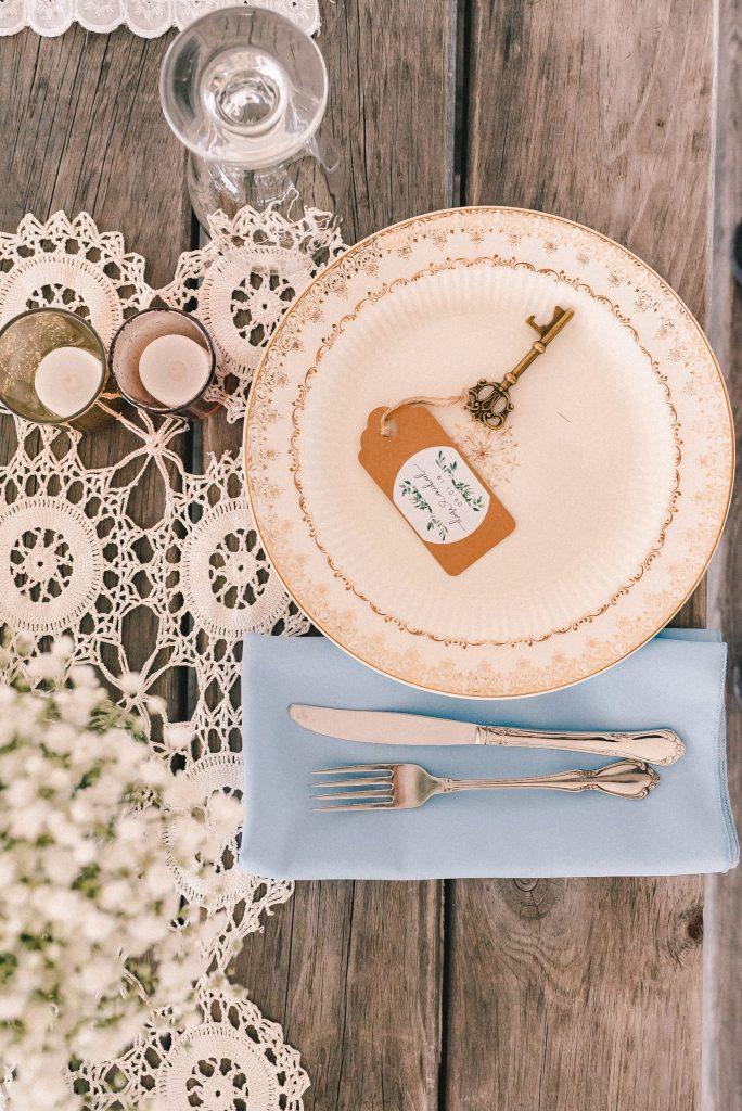 baby-blue-wedding-theme-farmhouse-suessmoments