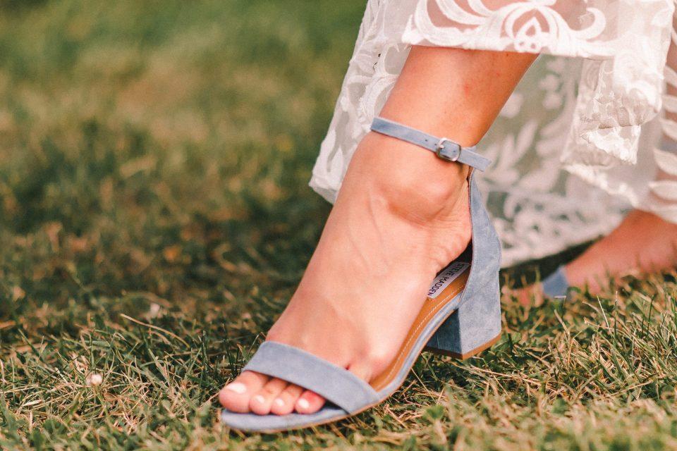 blue0chunky-wedding-shoe-suessmoments