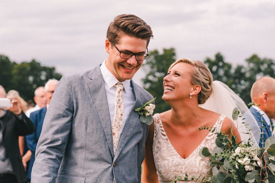 happy-wedding-couple-ceremony-suessmoments