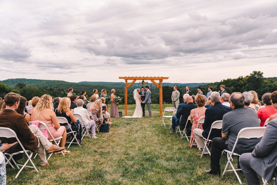 ss-farm-and-brewery-wedding-ceremony-mountain-views-suessmoments