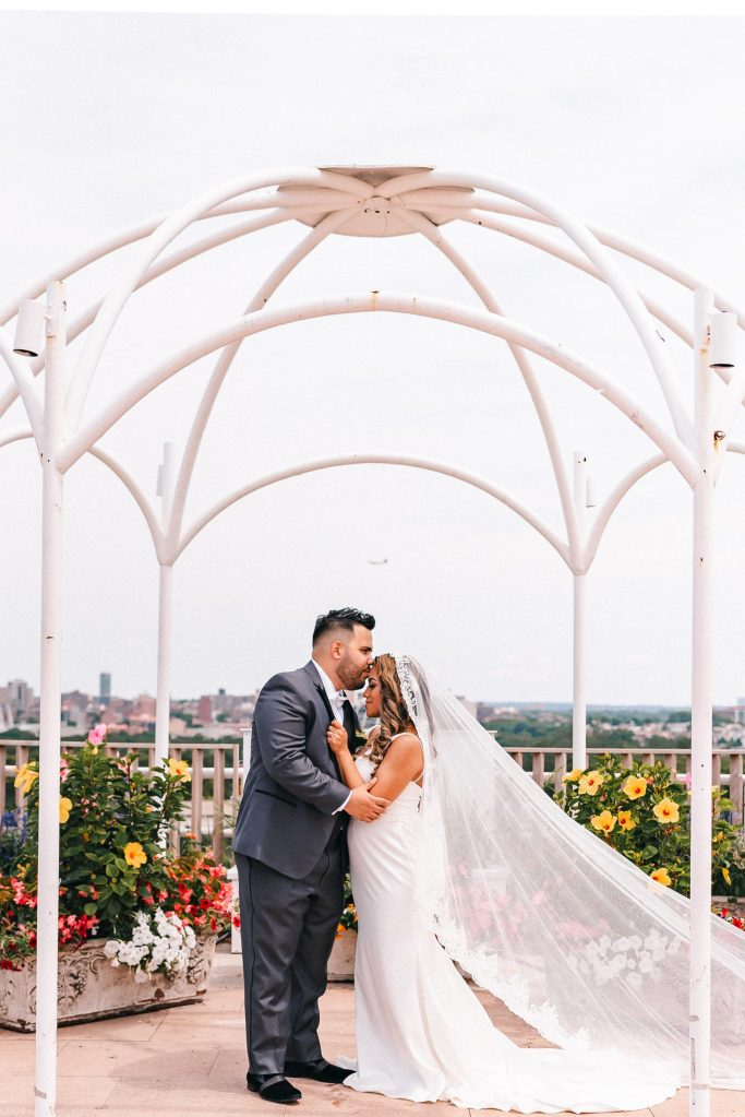 rooftop-terrace-the-park-wedding-photos-brunch-formals-bride-and-groom-suessmoments-photographer-new-york