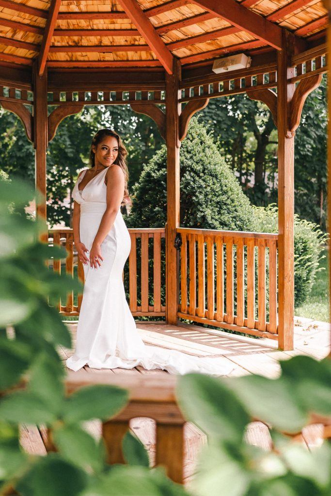 gazebo-terrace-the-park-wedding-photos-brunch-formals-bride-and-groom-suessmoments-photographer-new-york