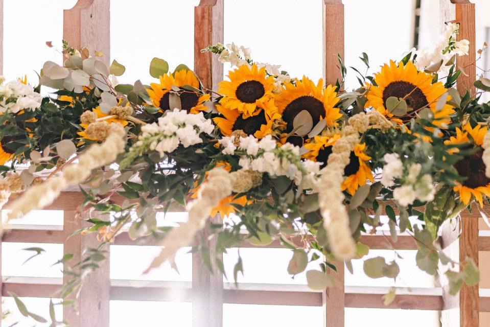sunflower-wedding-theme-new-york-wedding-photos-suessmoments-photographer