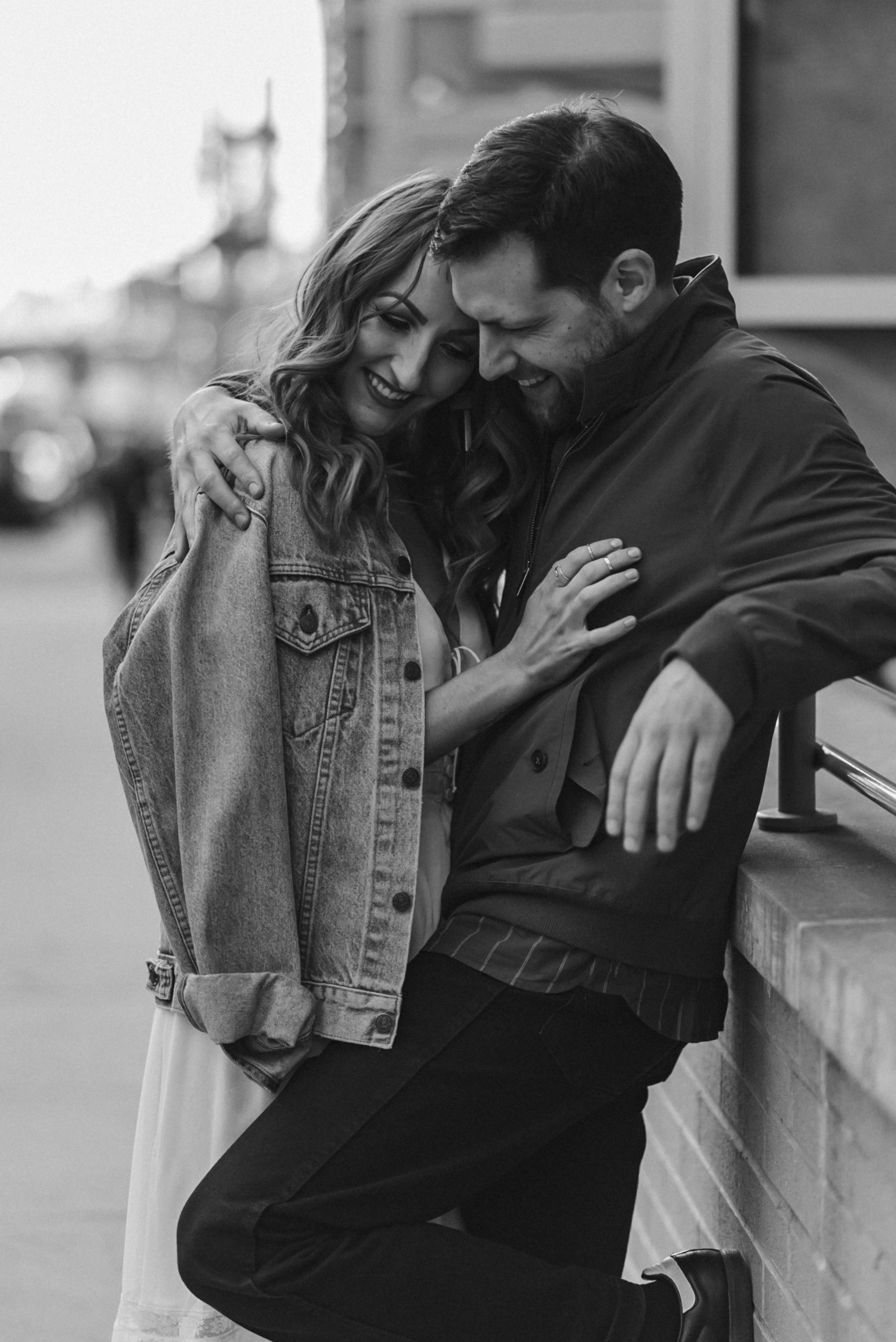 black-and-white-engagement-photos-williamsburg-brooklyn-photographer-nyc-suess-moments