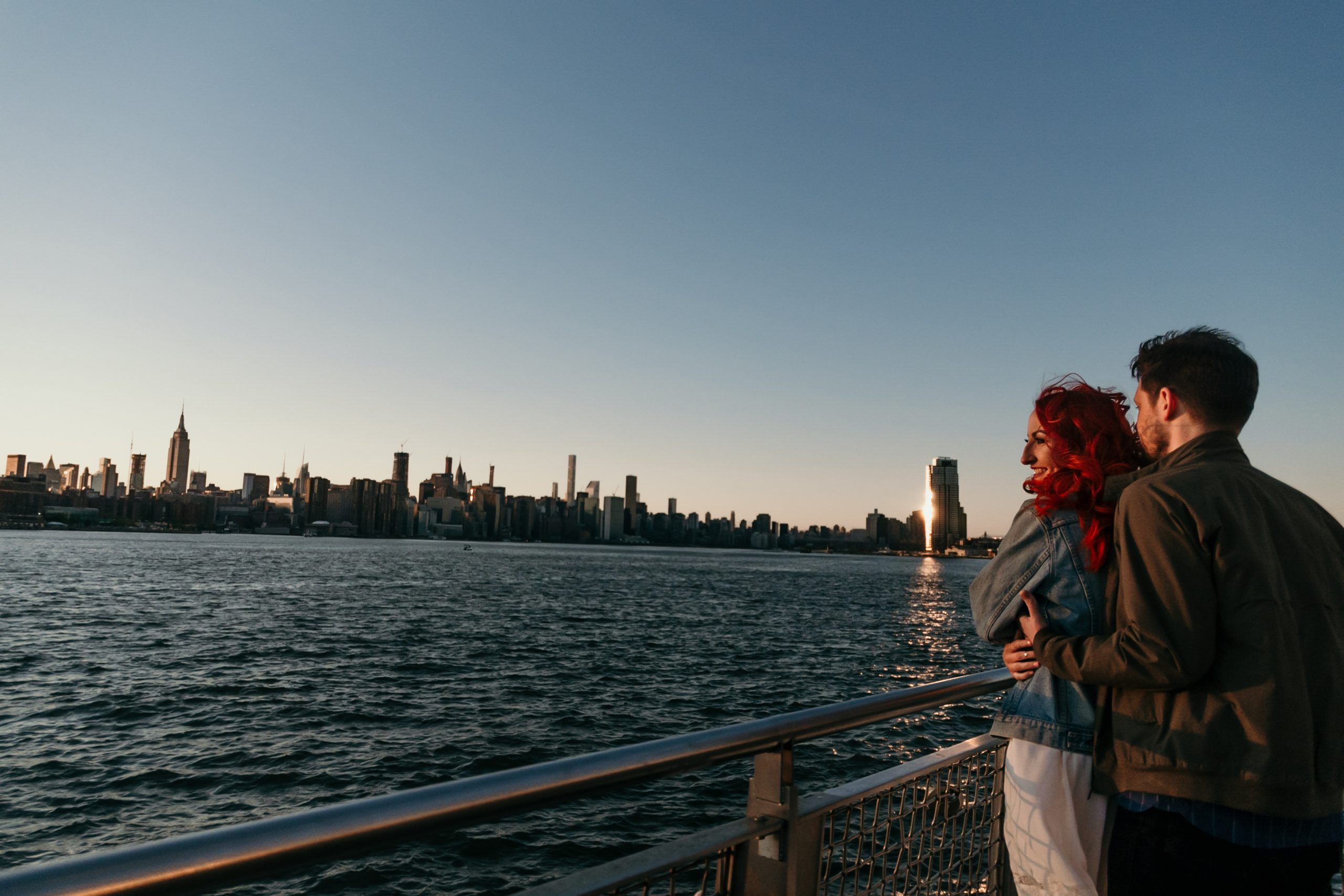 williamsburg-pier-skyline-backdrop-engagement-photos-brooklyn-suessmoments-photographer-nyc