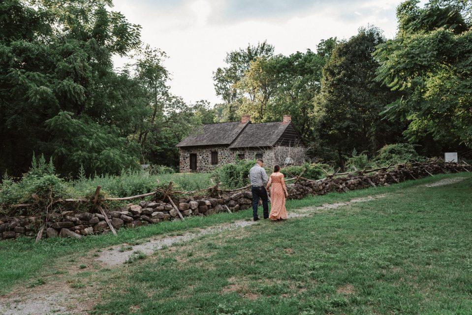 historic-richmond-town-staten-island-new-york-engagement-photos-suessmoments