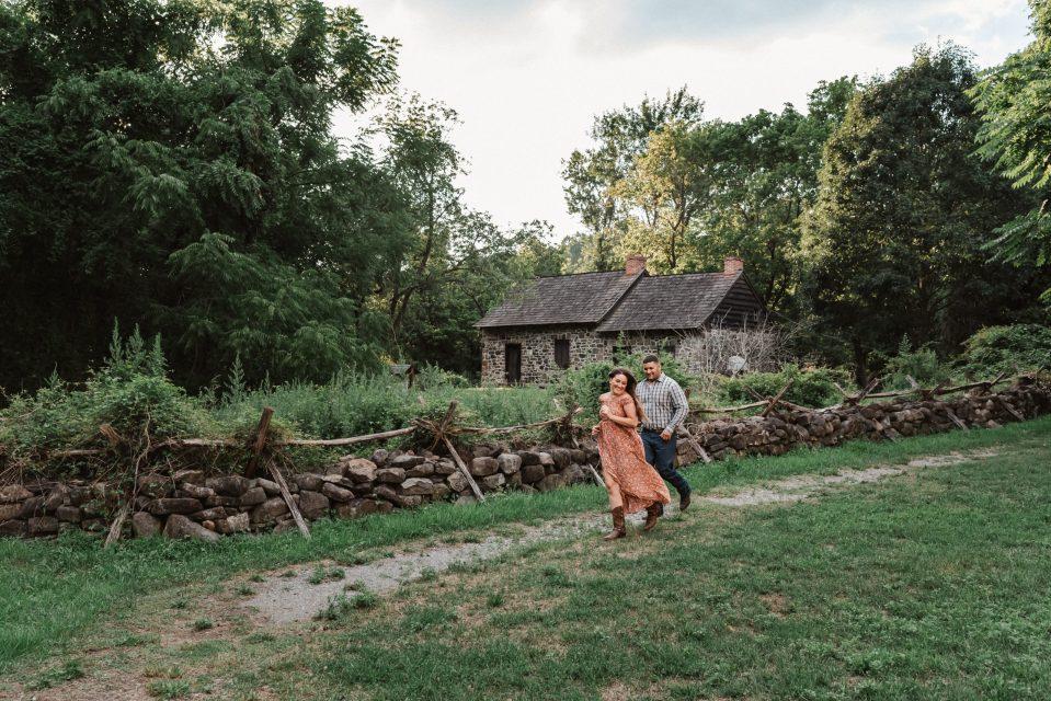 historic-richmond-town-engagement-photos-suessmoments-staten-island-new-york-photographer