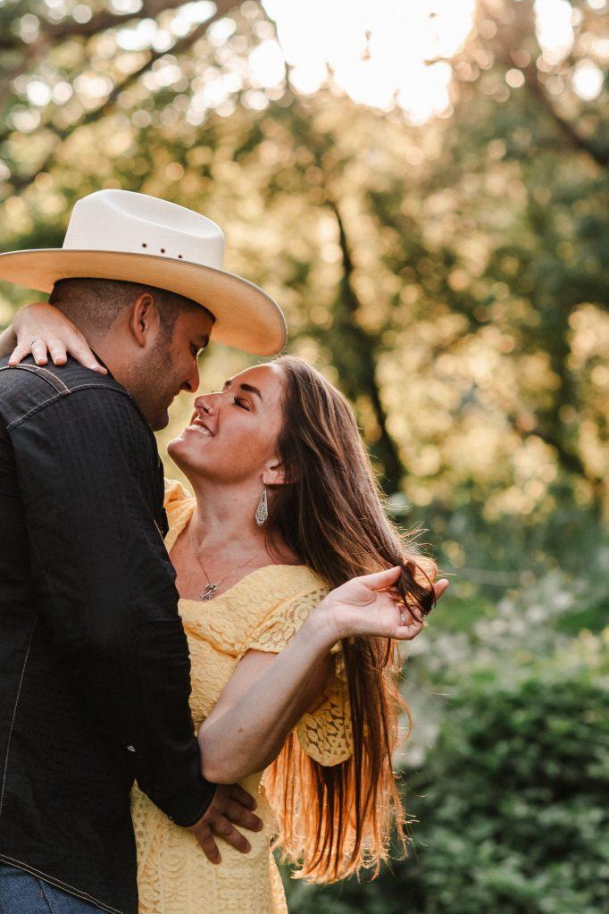 cowboy-hat-engagement-photos-suessmoments