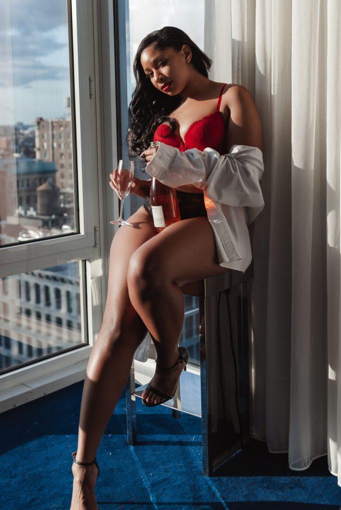 NYC-WOMAN-BOUDOIR-LUXURY-PHOTOGRAPHY-BY-SUESSMOMENTS-NOMO-SOHO-HOTEL-PHOTOGRAPHER