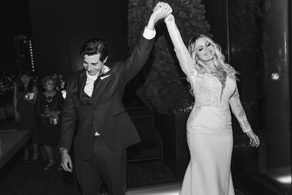 FIRST-DANCE-SUESSMOMENTS-WEDDING-PHOTOGRAPHY