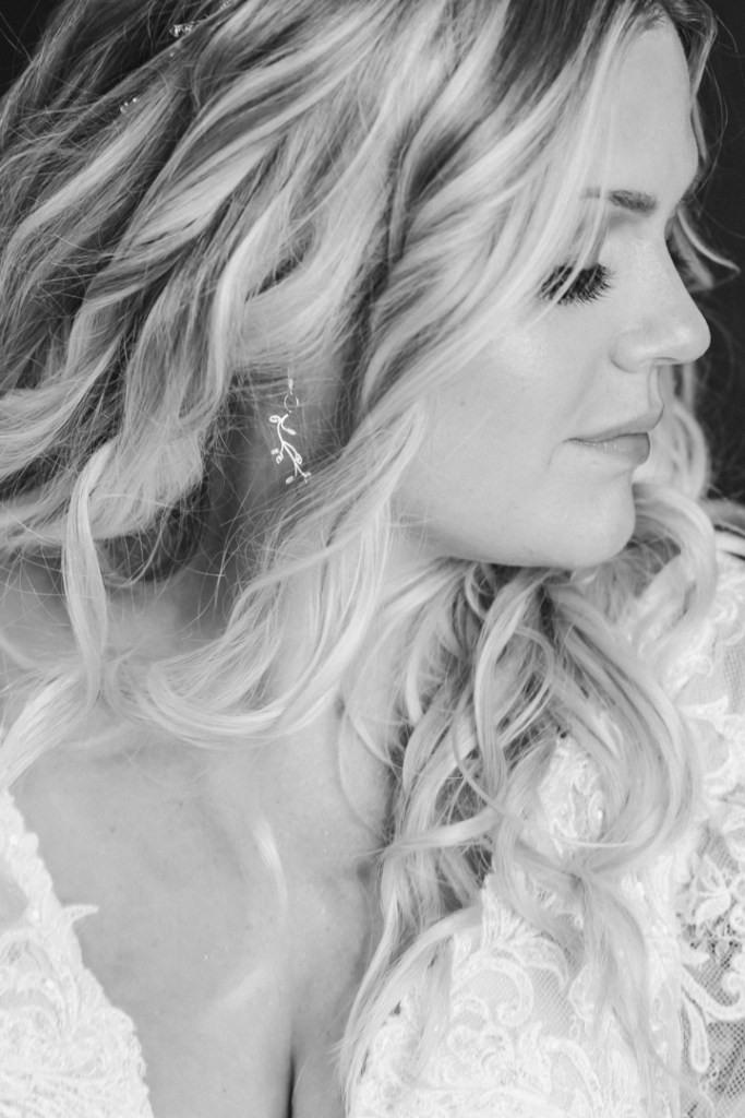 wedding-day-getting-ready-photos-halo-lic-suess-moments-photographer