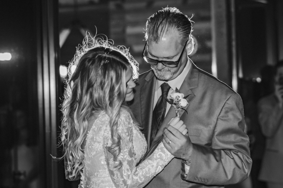 FIRST-DANCE-DAD-AND-DAUGHTER-BY-SUESSMOMENTS