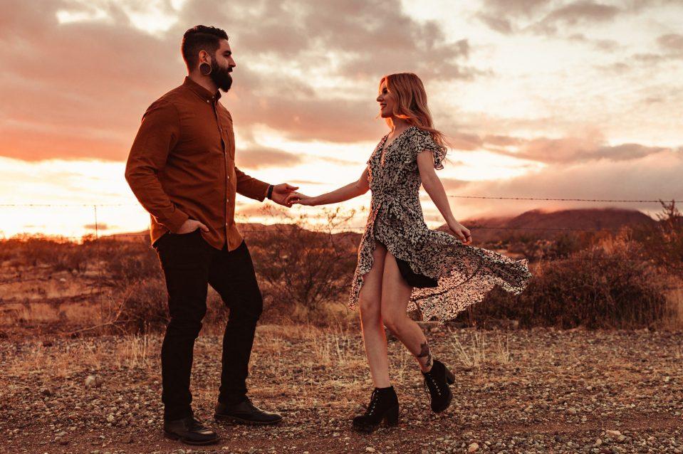 new-river-engagement-photos-az-wedding-photographer-suessmoments