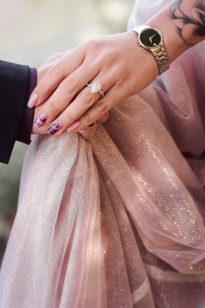 tear-drop-wedding-ring-suess-moments-engagement-photography
