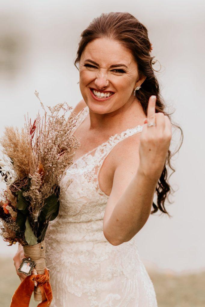 fun-bride-on-wedding-day-by-suessmoments
