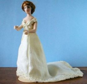 1″ Scale Miniature Historic Ladies Pattern Line