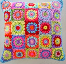 ooh love this bright pillow cover!