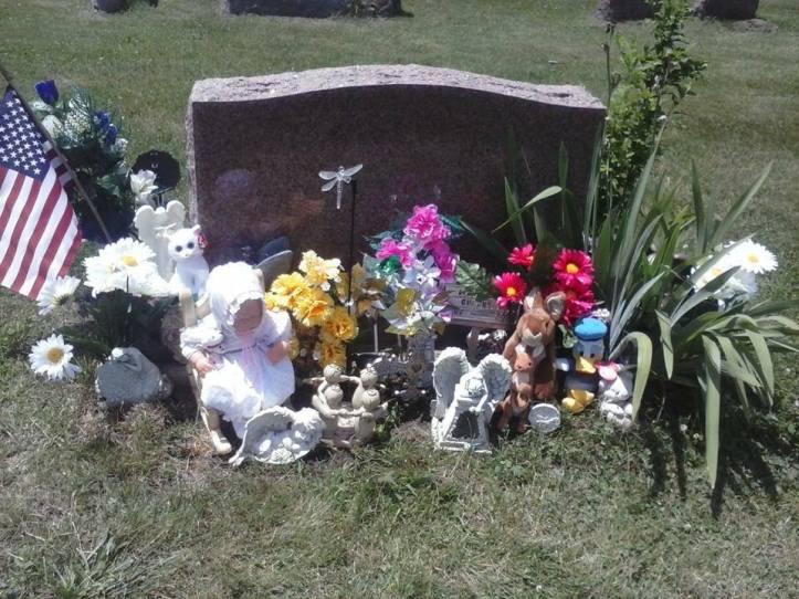 Alissa Guernsey's grave