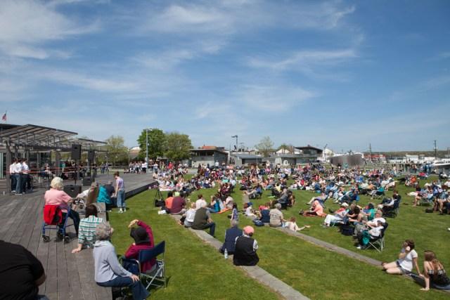 Spectators enjoy the concert in Mitchell Park. (Credit: Katharine Schroeder)