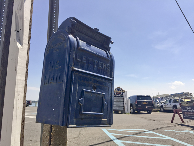 Mailbox Claudios Greenport