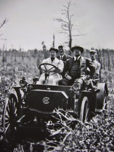 From left: Edith L. Fullerton, LIRR President Ralph Peters, Theodore Roosevelt and Hal B. Fullerton en route to the Wading River Farm during President Roosevelt's 1910 visit to experimental farms.