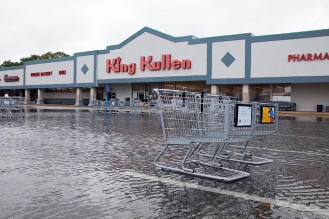 The King Kullen parking lot in Cutchogue. (Credit: Katharine Schroeder)