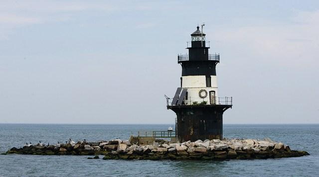 T1210_lighthouse_KS_C.jpg