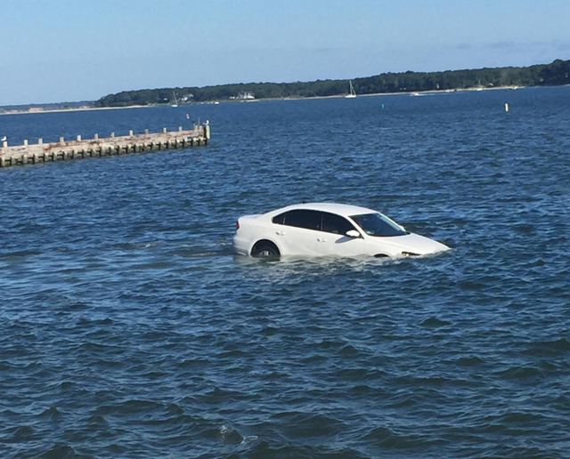car crashes into water at Founders Landing