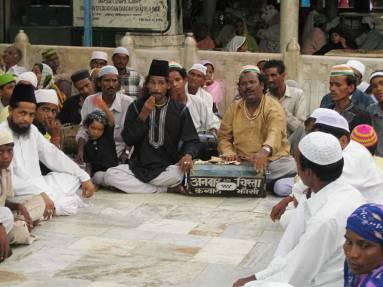 Qawwals during the 'urs of Khwaja Mo'inuddin Chishti