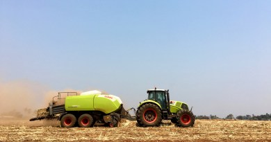 Baling sugarcane leaves: fuelling power plants and reducing air pollution.