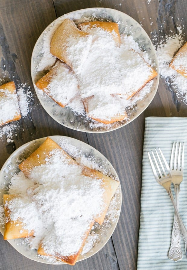http://sugarandcharm.com/2014/04/traditional-new-orleans-beignets-recipe.html?section-6