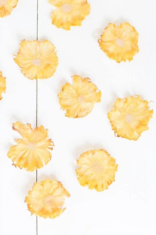 PineappleFlowerCupcakes_1
