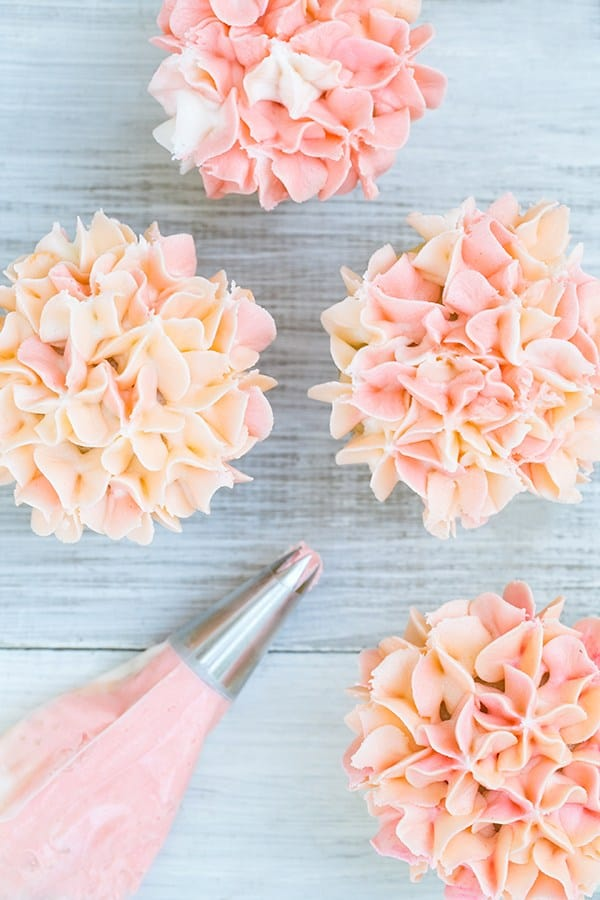 How To Make Cake Decorating Bags Out Of Wax Paper : Floral Frosting Cupcakes - Sugar and Charm - sweet recipes ...