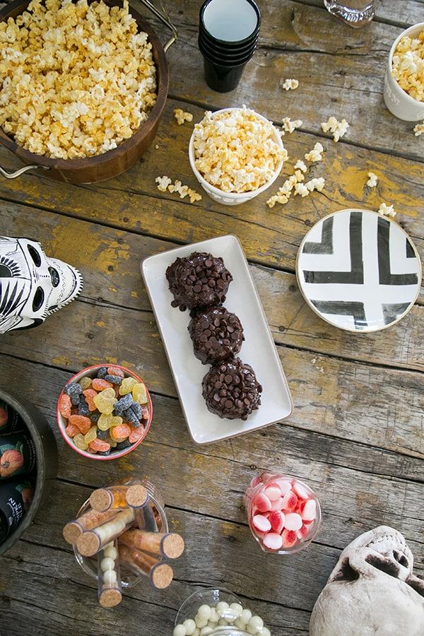 halloween-movie-night-sugar-and-charm-4