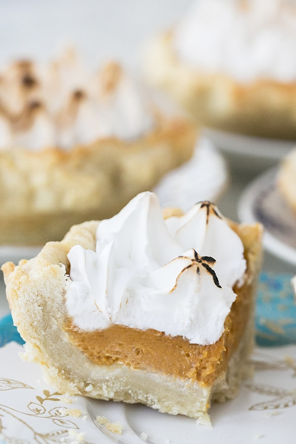 mini_toasted_marshmallow_pumpkin_pies_sugarandcharm_5