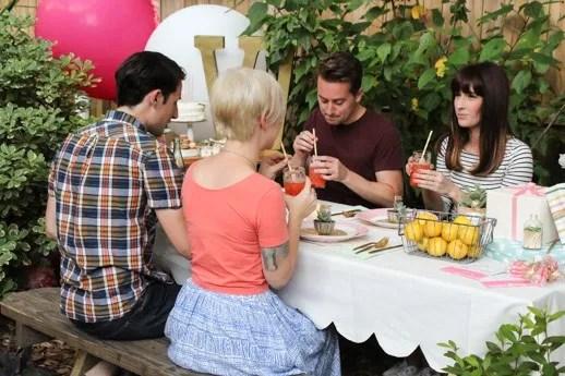 DIY Scalloped Tablecloth - Sugar & Cloth - Houston Blogger - Entertaining & Hosting DIY