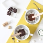 How to serve hot chocolate sticks & win a Treatsie subscription!