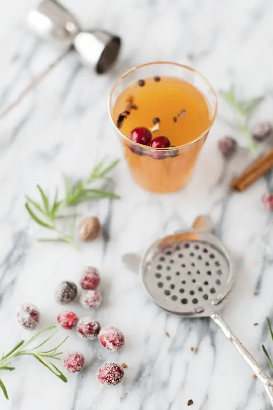 holiday cocktail and entertaining workshop | sugarandcloth.com