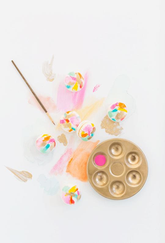 DIY abstract art macarons | Sugar & Cloth