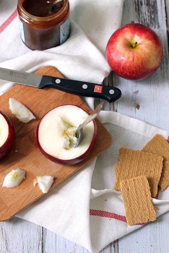 Caramel-Apple-Cheesecake-Stuffed-Baked-Apples-4