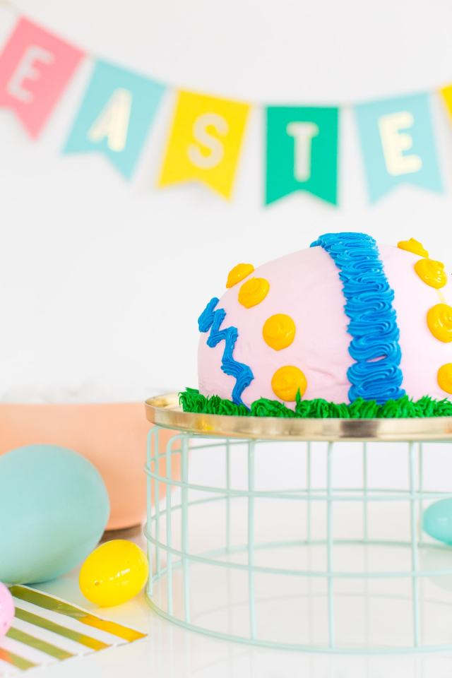A playful Easter dessert table with @dunkindonuts and @baskinrobbins! - sugar and cloth
