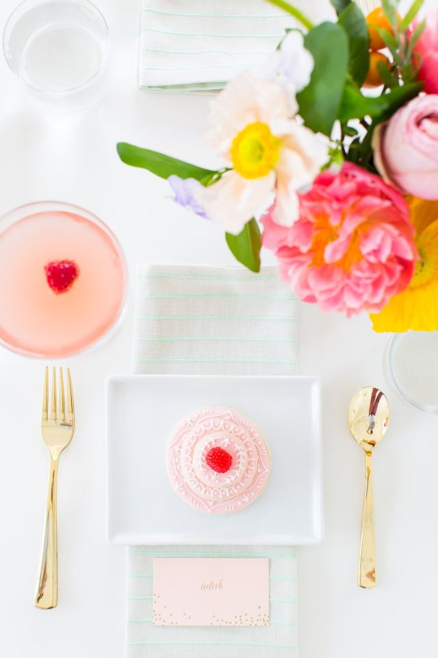 The perfect floral Spring Bridal Shower we hosted in the Sugar & Cloth studio by Ashley Rose of Sugar & Cloth, an award winning DIY blog.