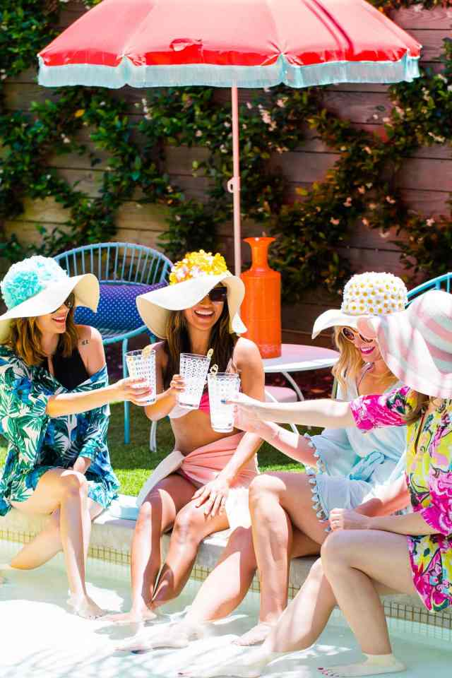 Because every girl needs a DIY retro floral floppy hat for a bright, bold poolside statement! - sugar and cloth