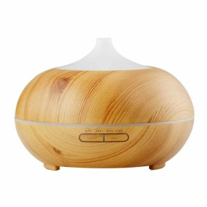 This Wood Diffuser is one of Sugar & Cloth's favorite beauty essentials.