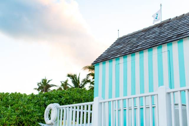 A Colorful Harbour Island Travel Guide by top Houston lifestyle blogger, Ashley Rose of Sugar and Cloth