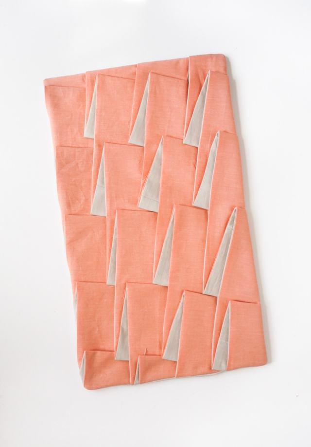 Diy Structured Pleat Lumbar Pillow by Sugar & Cloth, an award winning DIY, home decor, and recipes blog.