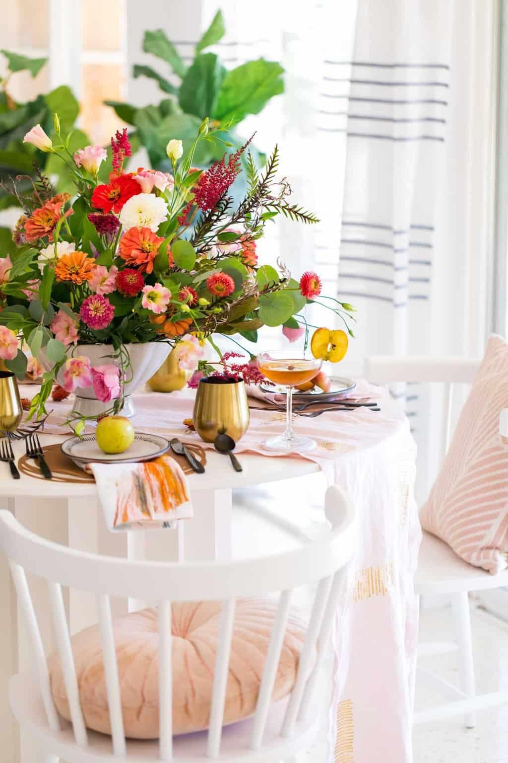 Groovy Table Diy Decor Beutiful Home Inspiration Aditmahrainfo