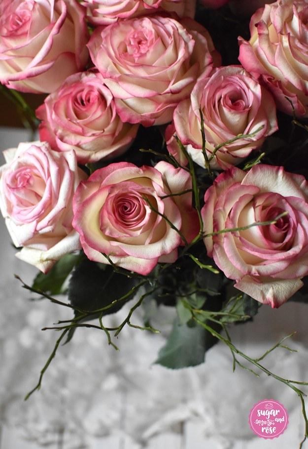 Rosenstrauß mit rosa Blüten