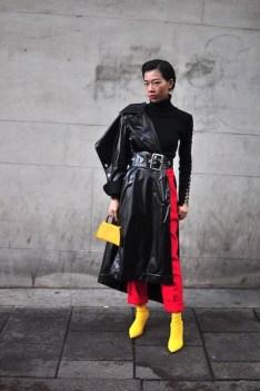 Harper es de China, pero ahora estudia moda en Londres. La inspiran los colores, los textiles y las texturas. Le encanta combinar muchos colores diferentes. La inspiran las películas de todo el mundo. Su outfit es de Zara y Top Shop. IG: @harper_silin